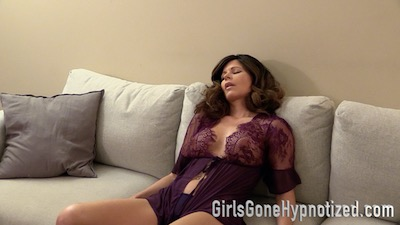 woman under hypnosis